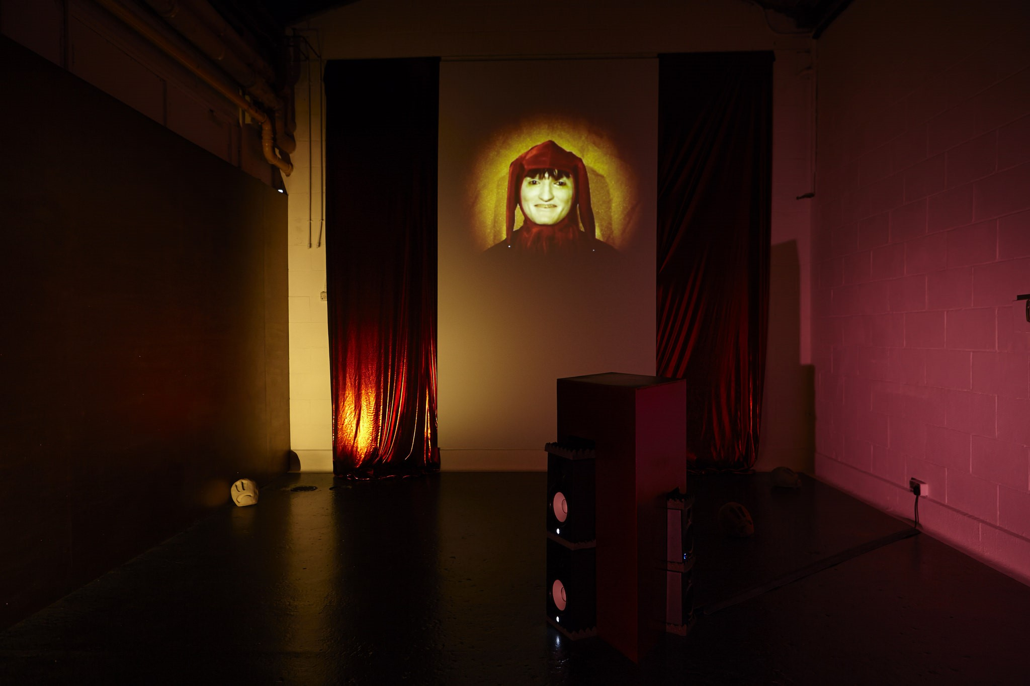 ARTISTS LUNCHTIME CRIT // LED BY THOMAS ELLMER